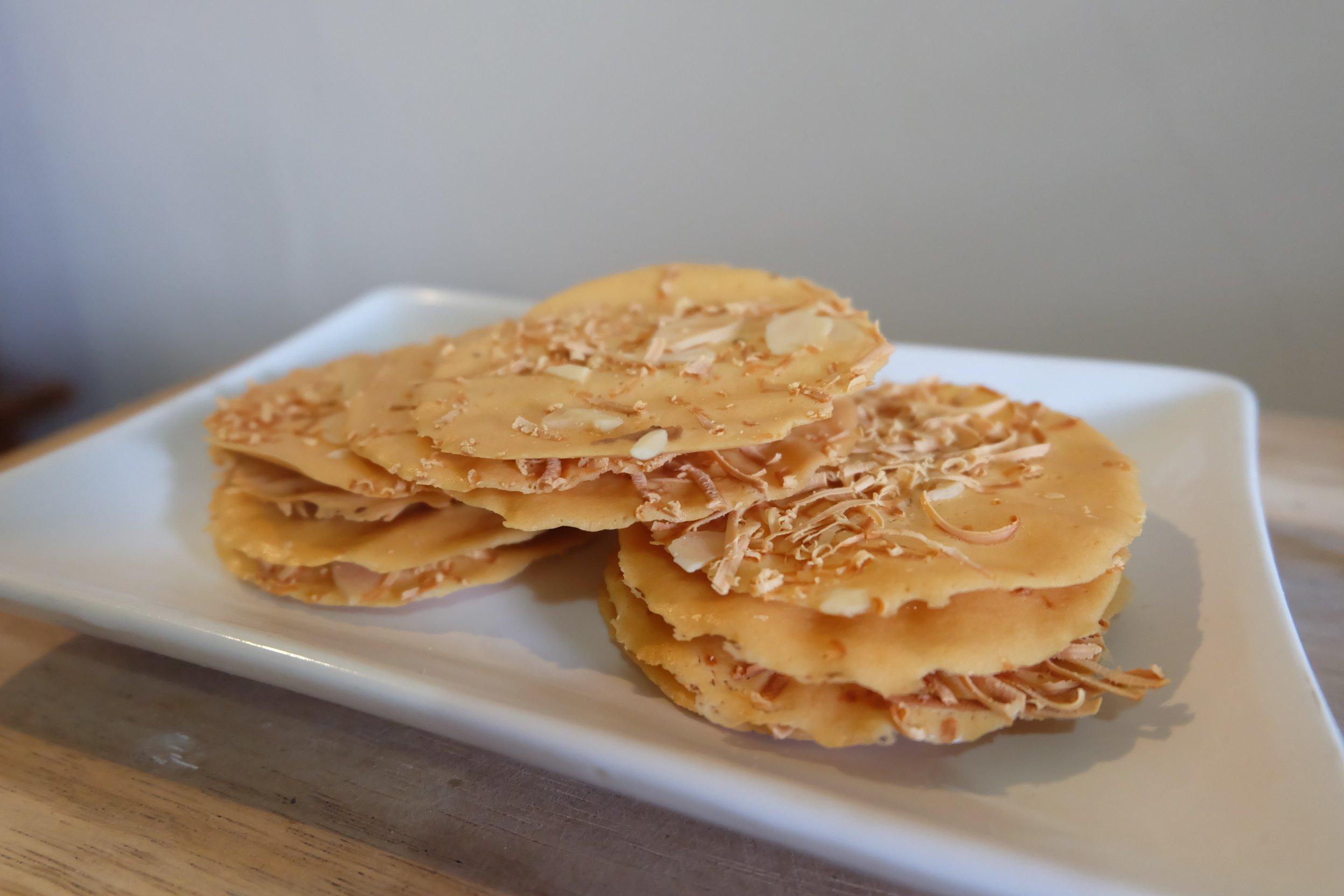 almond crispy cheese