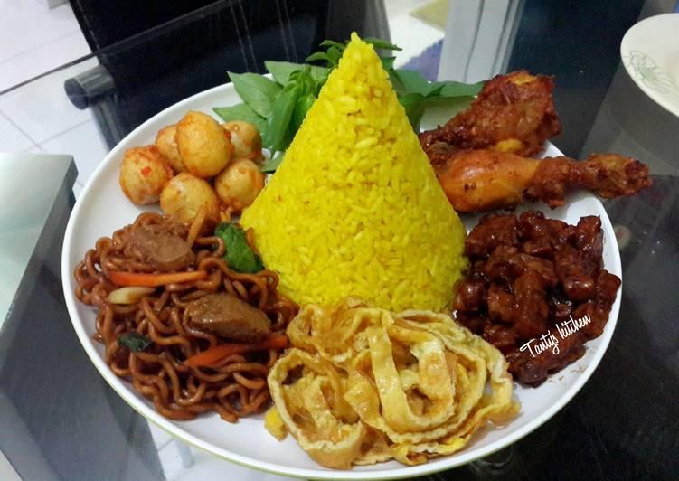 Resep Nasi Kuning Tumpeng Mini