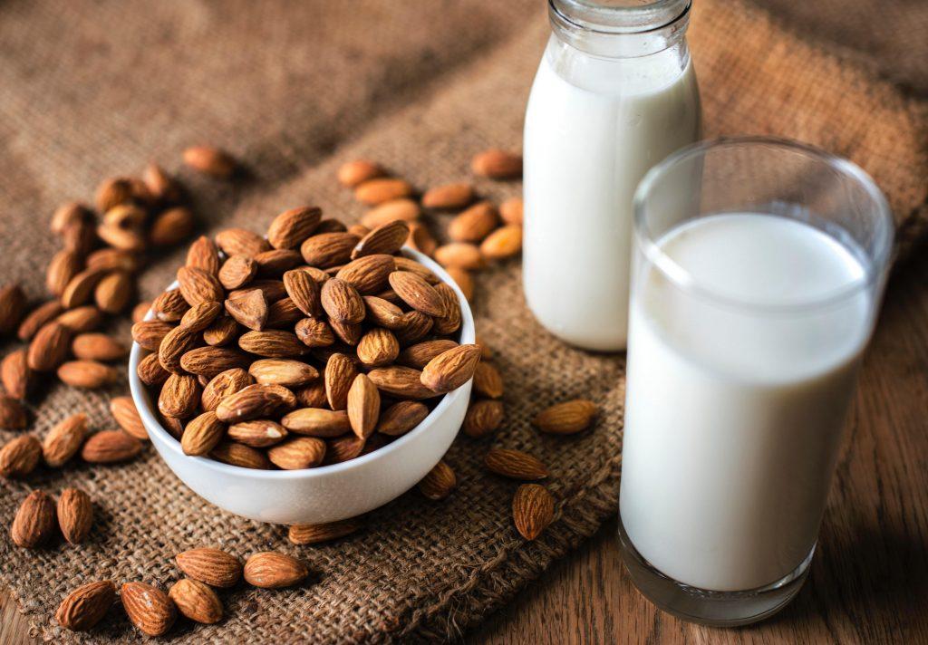 Manfaat dan Resep Susu Almond