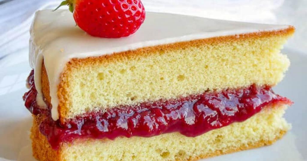 Resep White Strawberry Sponge Cake